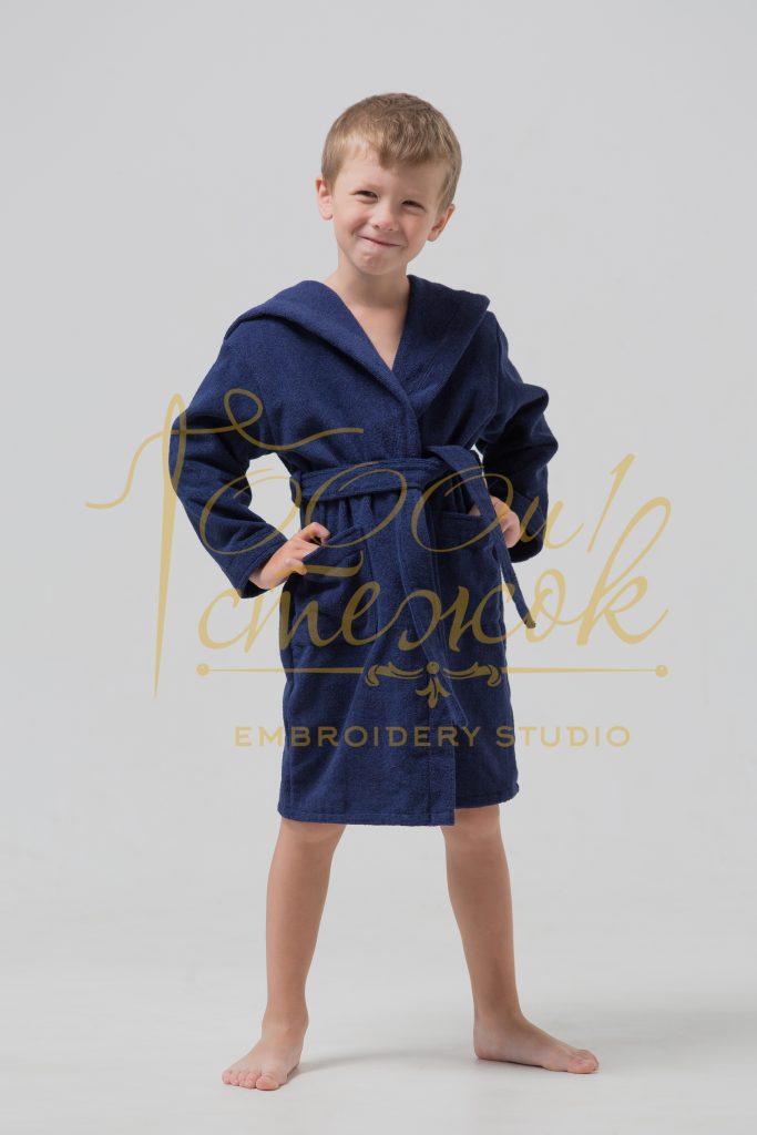 Детский халат с капюшоном категории «Премиум Россия» с именной вышивкой (Темно-синий)